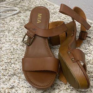 Mia manuela sandals